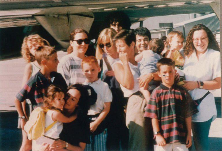 Alba Corbera, Cristina Albertí, Anna Solà i Victòria Vila en un viatge a Menorca el 1991