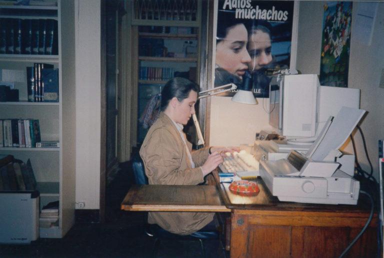 Cristina Albertí a l'oficina del carrer València