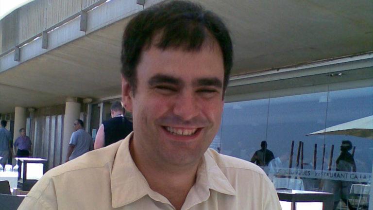Oriol Buch durant un dinar d'estiu a la Barceloneta