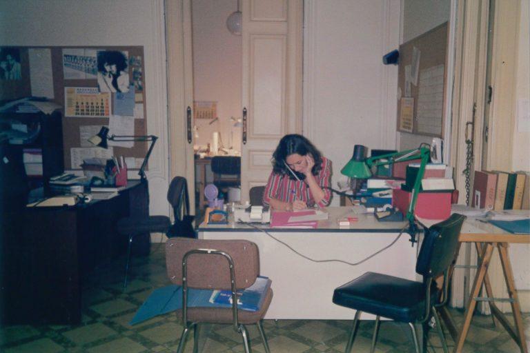 Raquel Aranda a l'oficina del carrer València
